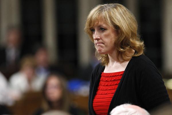 Ministrul canadial al resurselor, Lisa Raitt