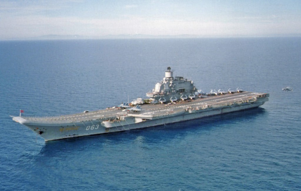 Portavionul rus Kuznetsov, gata sa dea piept cu piratii somalezi