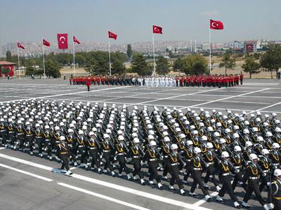 Armata turca a intrat in conflict cu guvernul Erdogan
