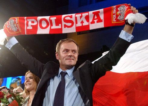 Premierul polonez Donald Tusk, acuzat de relatii cu spionul GRU