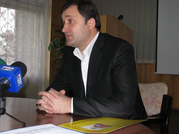 Premierul Vladimir Filat, ingrijorat de presiunile Gazprom