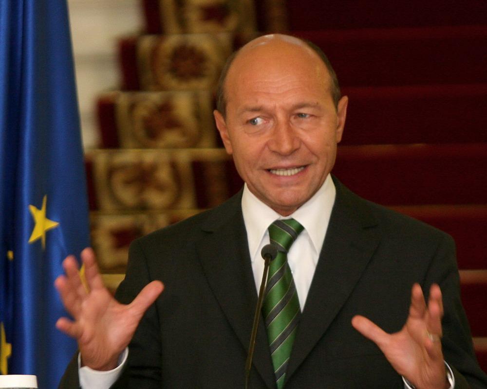 Presedintele roman este gata sa relanseze relatiile cu Republica Moldova