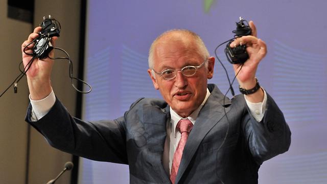 Comisarul Gunter Verheugen sprijina Bulgaria si Romania
