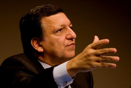 Seful Comisie Europene, Jose Manuel Barroso, cheama la pace in Balcani