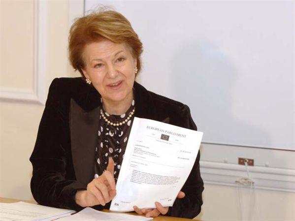 Europarlamentarul Emma Nicholson a recunoscut fraudarea alegerilor