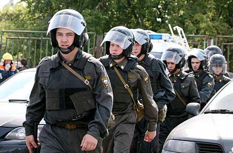 Politia rusa a blocat principalele orase din Federatia Rusa