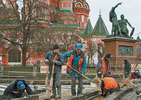 Imigrantii economici din CSI platesc pretul crizei din Rusia