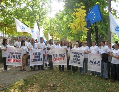 Miscarea Actiunea Europeana comemoreaza victimele represiunii comuniste din aprilie 2009