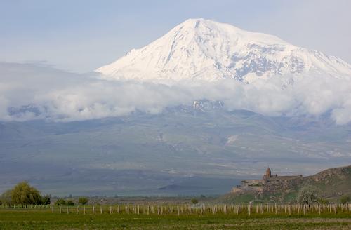 """Muntele Ararat, considerat locul unde s-a oprit """"Arca lui Noe"""""""