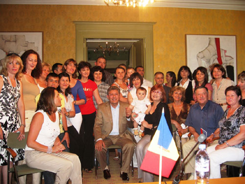 Presedintele interimar al Republicii Moldova, Mihai Ghimpu, a avut intalniri cu diaspora basarabeana din Elvetia