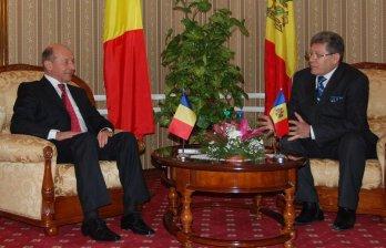Tanedemul Basescu-Ghimpu debarca in Polonia