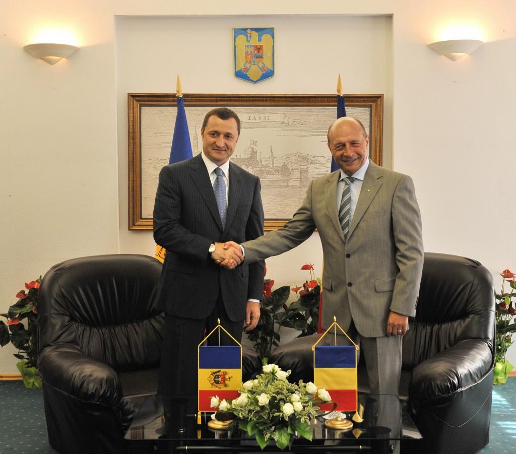 Presedintele roman Traian Basescu sprijina politica guvernului de la Chisinau, condus de premierul Vladimir Filat