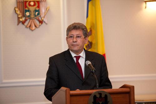 Presedintele Republicii Moldova, Mihai Ghimpu, combate mostenirea comunista