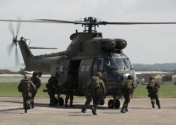 Elicopterele britanice, modernizate in Romania
