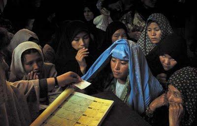 Femeile au rezervate 68 de mandate in Parlamentul bicameral de la Kabul