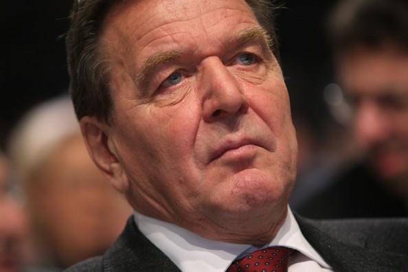 Fostul cancelar german Gerhard Schroeder, partizan al axei Berlin-Moscova-Ankara