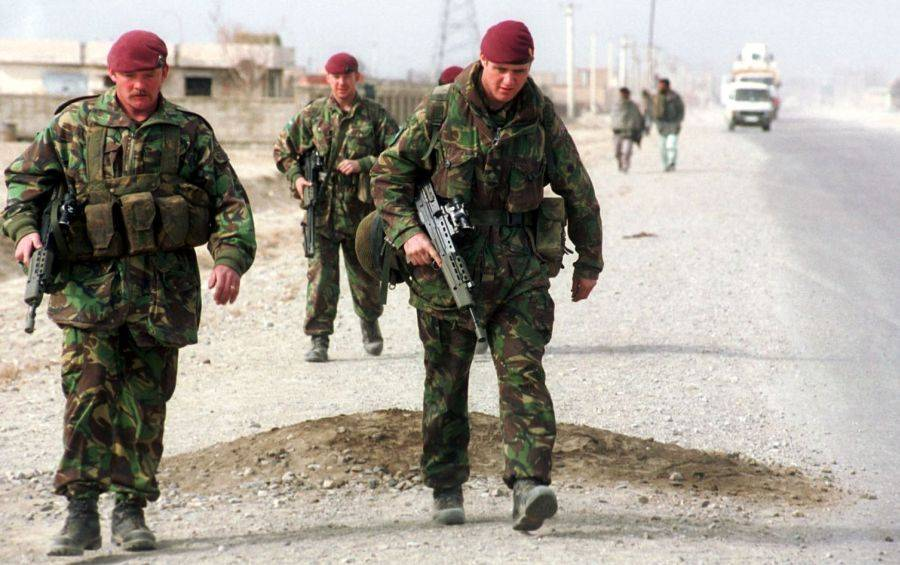 Soldatii NATO, blocati de Pakistan