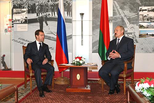 Presedintele belarus Alexandr Lukasenko, pregatit pentru un conflict juridic de durata cu omologul sau rus Dmitrii Medvedev