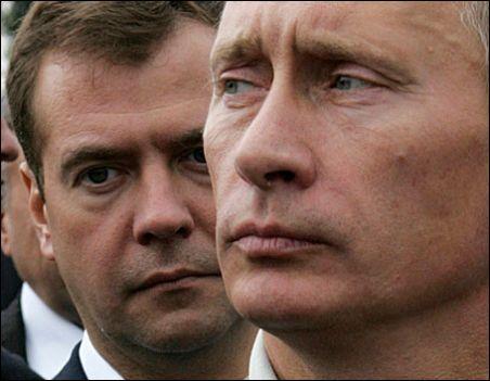 Tandemul Putin-Medvedev incurajeaza consumul de vodca
