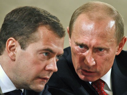Tandemul Putin-Medvedev ataca mediatic Romania