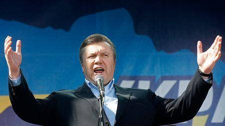 Presedintele ucrainean Viktor Ianukovici evita criza cu elicopterul