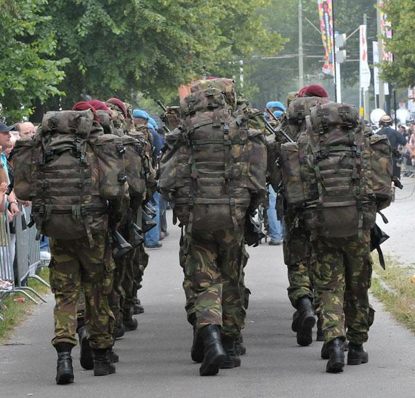 Soldatii vest-europen fug din Afganistan