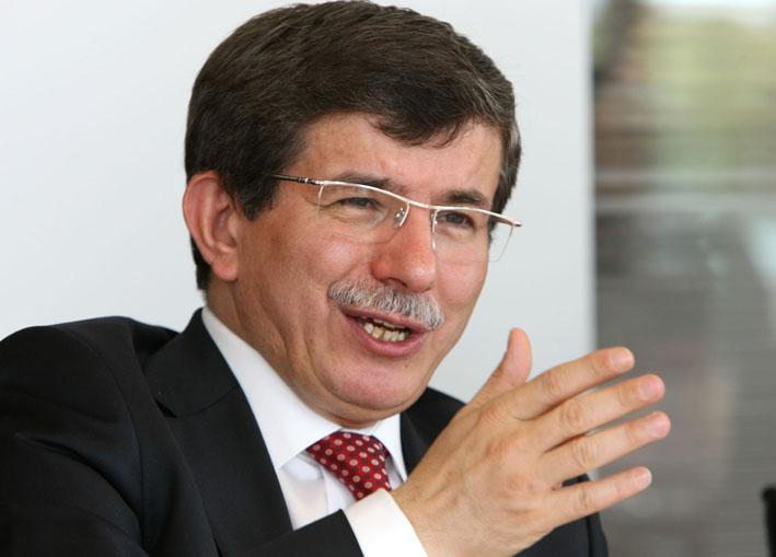 """Ministrul turc de Externe, Ahmat Davutoglu, vrea """"normalizarea"""" istoriei"""