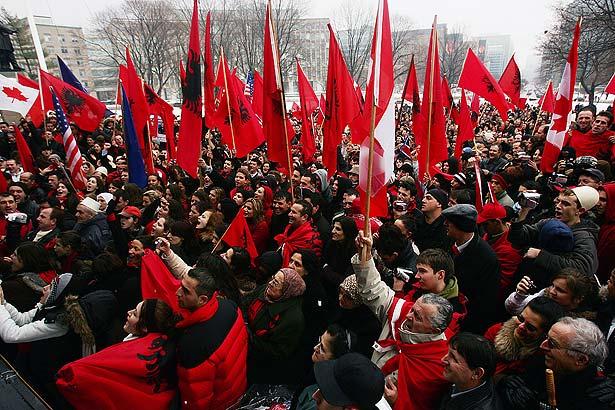Alegatorii din Kosovo se pregatesc pentru o iarna electorala