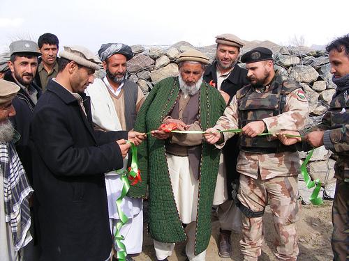 Armata maghiara a dat-o in bara in Afganistan