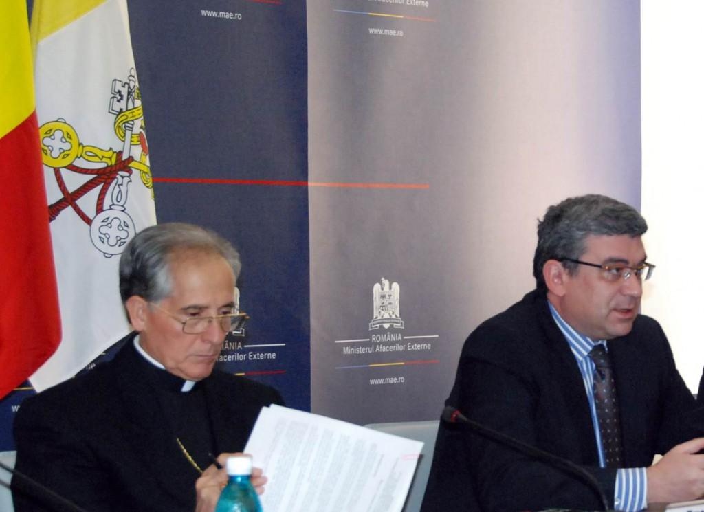 Ministrul roman de Externe, Baconski, si Nuntiul Apostolic