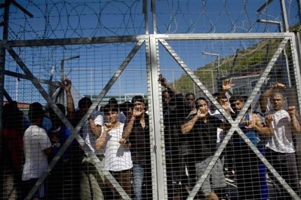 Imigratia ilegala este folosita ca arma politica in Grecia