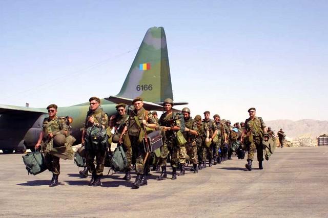 Soldatii romani din Afganistan, condamnati la saracie