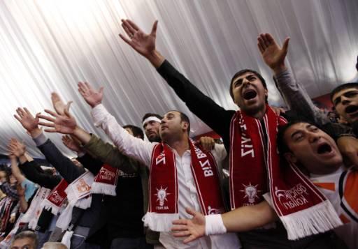 Formatiunea AKP se bucura de sustinerea masiva a populatiei turce