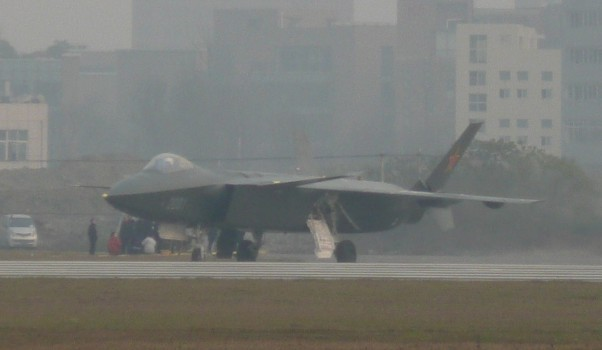 J-20, speranta strategica a Chinei