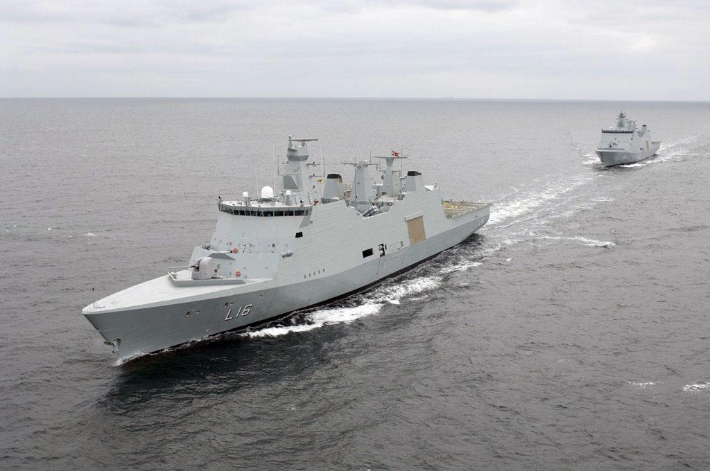 Nava de razboi daneza Absalon combate pirateria somaleza