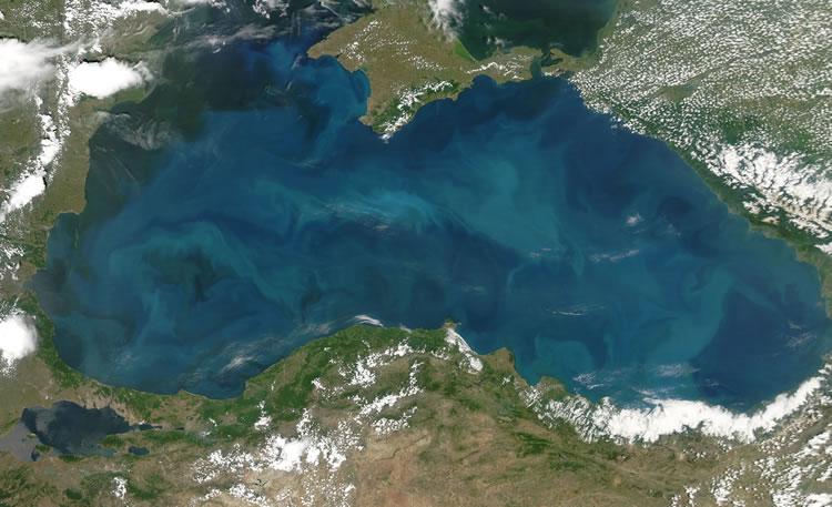 Marea Neagra, nemiloasa cu navele comerciale