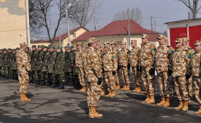 Armata romana isi respecta angajamentele internationale din Afganistan
