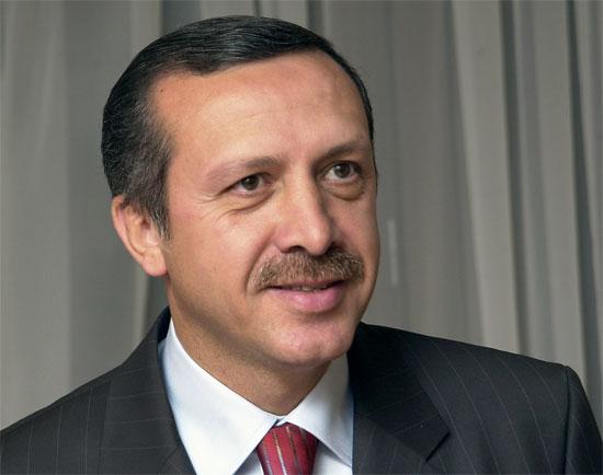 Premierul turc Recep Tayyip Erdogan, favorizat de noul acord