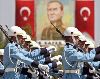 Armata turca, model studiat de elitele militare arabe