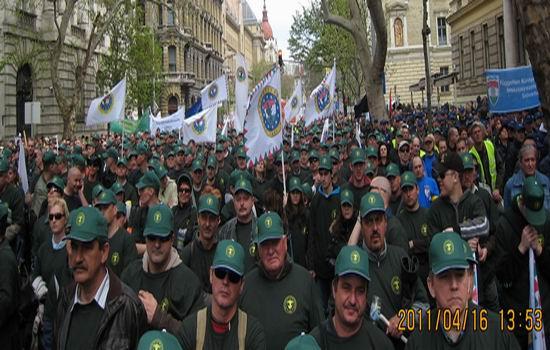 Militarii maghiari protesteaza la Budapesta