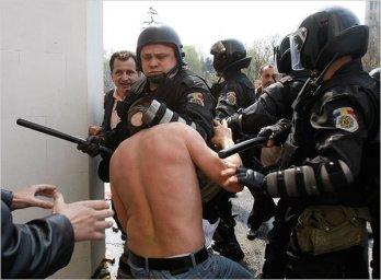 militia Voronin Moldova