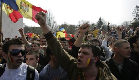 moldova-protest-revolutie-twitter-internet-SV208535KC