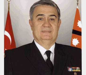 Contraamiralul Izzet Artunc, seful Garzii de Coasta din Turcia