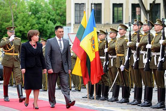 Vitalie Marinuta in Lituania (army.md)