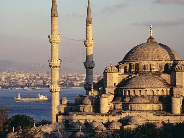 Istanbul, placa turnanta a diplomatiei musulmane
