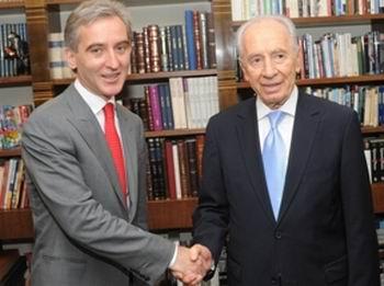 Leanca si Peres
