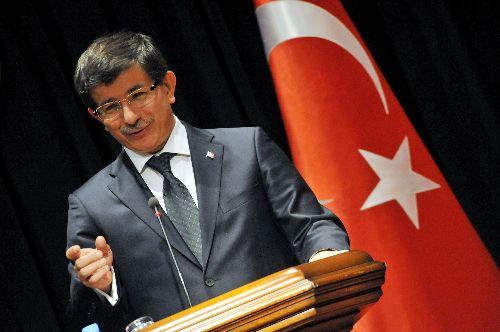 Ministrul turc de Externe, Ahmet Davutoglu, a consolidat statutul de lider regional al Turciei