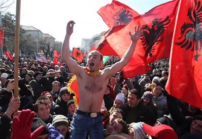 Actiunile Belgradului provoaca tensiuni in Kosovo