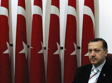 Premierul turc Erdogan, regele strazii arabe