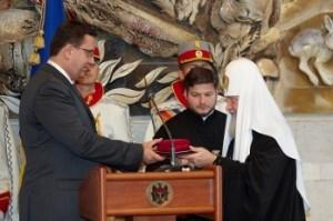 patriarhul-kiril-a-fost-decorat-cu-ordinul-republicii 634